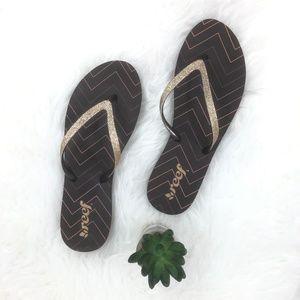 Reef Gold Glitter Flip Flop Sandals Size 9 NWOT